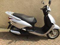 Honda lead 110cc / 2011 / low miles / 1yrs mot