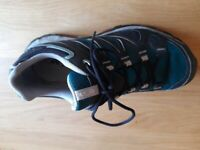 Ladies salomon gortex trainers size 7