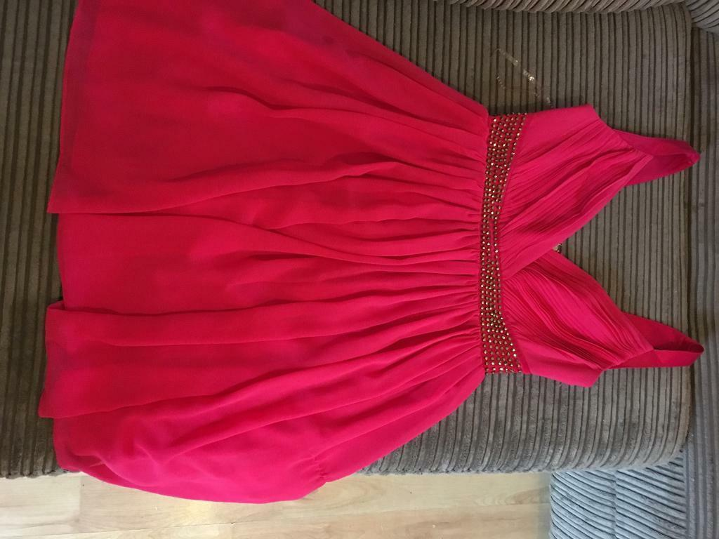Lipsy dress bnwt size 8in Pontllanfraith, CaerphillyGumtree - Beautiful hot pink lipsy dress rrp is £55. Comes from smoke and pet free home