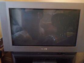 "For sale sony trinitron digital flatscreen TV 30"" -old heavy type + stand"