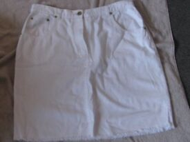 white mini skirt size 14