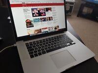 2015 15'' MacBook Pro - 2.2Ghz Core i7, 16Gb Ram, 256Gb SSD, Intel Iris Pro 1536Mb