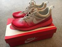 Nike trainers size 8