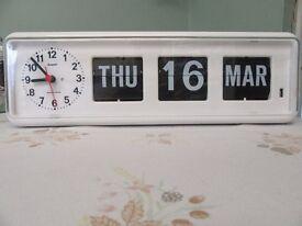 Grayson perpetual calendar clock