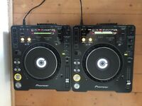 2 x Pioneer CDJ 1000 Mk3 with DJM 400 mixer - great condition and boxed