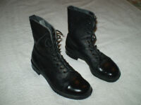 AMMO BOOTS - SIZE 8 - EXCELLENT CONDITION / BRITISH ARMY MILITARY CONFLICT etc