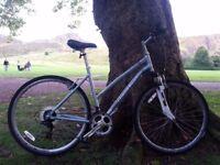 Claud Butler Explorer 100 - Hybrid Ladies Bike 20 inches frame front suspension