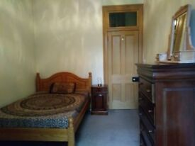GARDEN ROOM TO RENT IN SHARED 2BED FLAT - £550 (ALL IN)