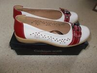 Brand new Cushion Walks shoes size 3