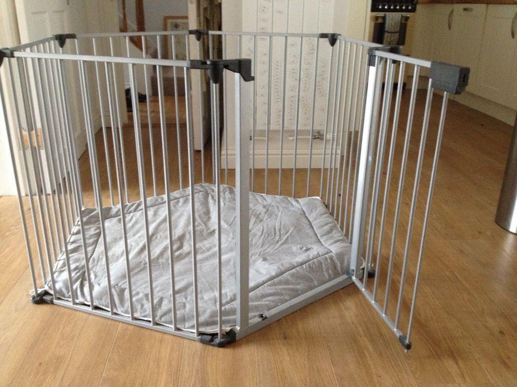 Lindam Safe Secure Metal PlaypenRoom dividerFire Guard in