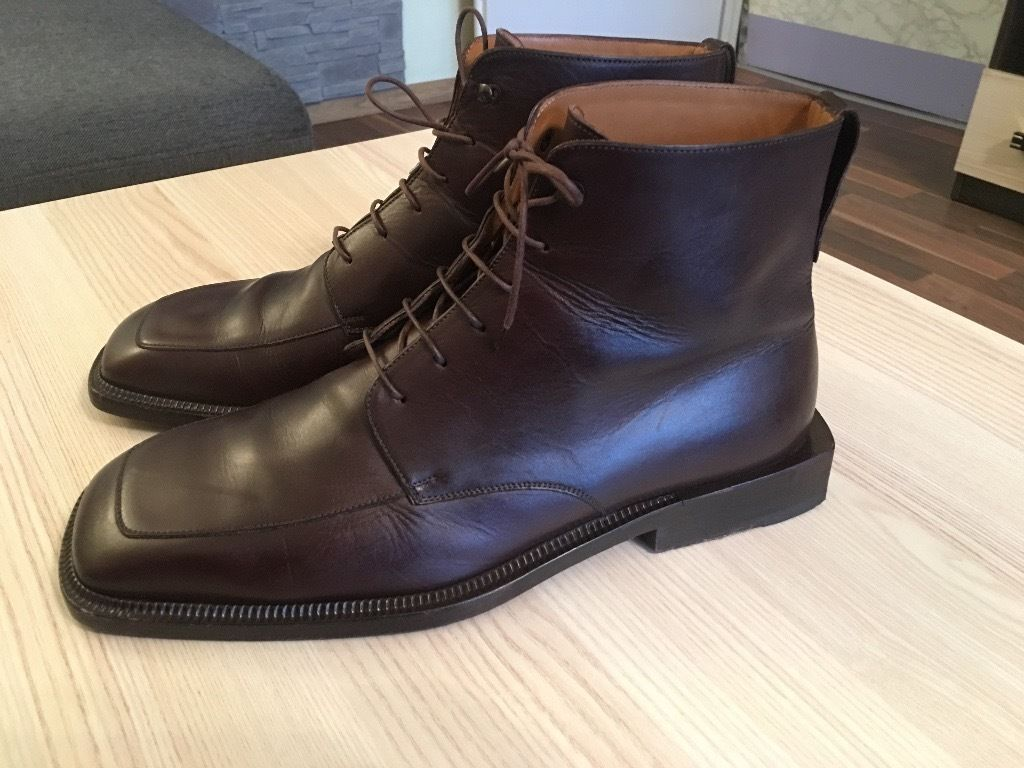Luxurious Louis Vuitton mens brown leather boots, 43