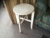 1950s 1960s Circular Wicker Side Table Lloyd Loom Style Very Cool Retro Shabby Chic ?