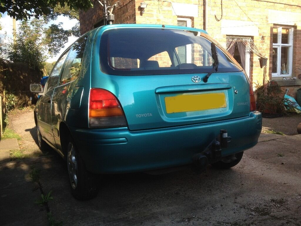 Toyota Starlet 1998 Sportif 3 door hatch with alloys and towbar, JVC Stereo  Good runner