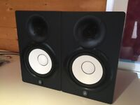 Yamaha HS7 Active Powered Studio Monitors Speakers + Stands + Isolators