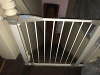 2 lindam stair gates
