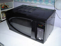 MICROWAVE OVEN, BLACK, IN GOOD CONDITION