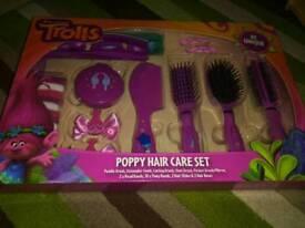 TROLLS 21 PIECE HAIR ACCESSORY SET BRAND NEW