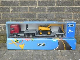 Emek Models - 30805 Scania Low Loader and Digger Plastic Toy, Kids Model