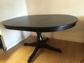 Extendable black dining table