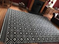 Black and White Rug 235 x 320 cm . Use 1 for month