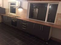 LEEDS 4 City Centre 3 Bedroom House Large Kitchen 3 Professionals Or Family Private Landlord