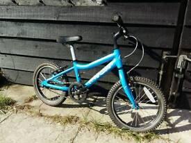 Ridgeback mx16 boys bike.