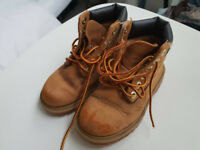 Children Timberland boots shoes - 8.5 UK (US 9, EU 26, JP 16) - Used