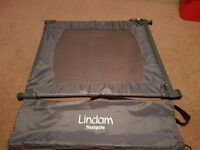 Lindam flexigate mobile travel baby gate perfect for holidays. Includes carry bag