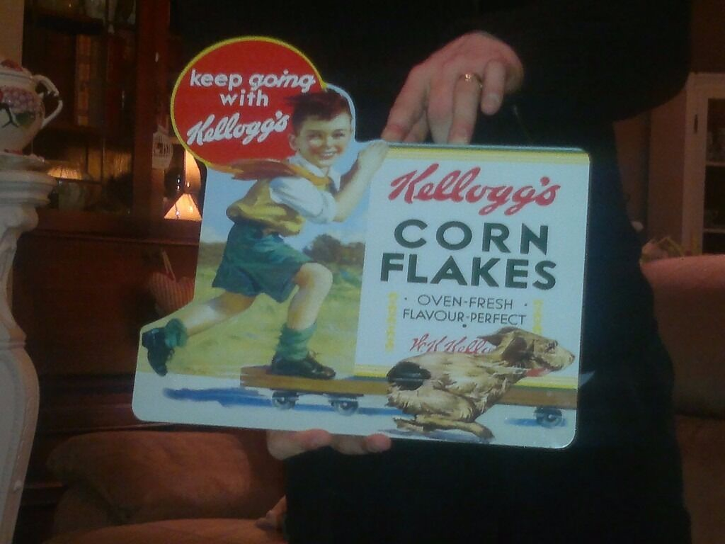 "VINTAGE STYLE KELLOGGS CORNFLAKES METAL WALL SIGN/PLAQUE..SHABBY CHICin Denton, ManchesterGumtree - THIS IS A LOVELY VINTAGE STYLE/SHABBY CHIC METAL WALL SIGN. WATERPROOF/WEATHERPROOF. VERY GOOD CLEAN CONDITION. COMING FROM A SMOKE FREE HOME. MEASURES LENGTH 11 1/2"" BY WIDTH 12 1/2"" HOPE YOU LIKE PLEASE FEEL FREE TO VIEW MY OTHER ITEMS FOR SALE..."