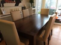 STUNNING EXTENDING DINING TABLE & 6 CHAIRS IMMACULATE