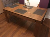Brand new Wayfair 1solid oak extending dining table for 6 / 8 people