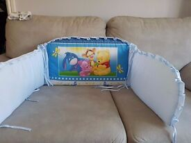 Baby bedding bumper, carousel and car toy - winnie the pooh - bargain.