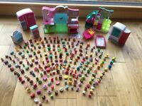 Large bundle of Shopkins (231No) & Play sets (6No)