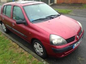 Renault Clio 2002 - Red, 5dr