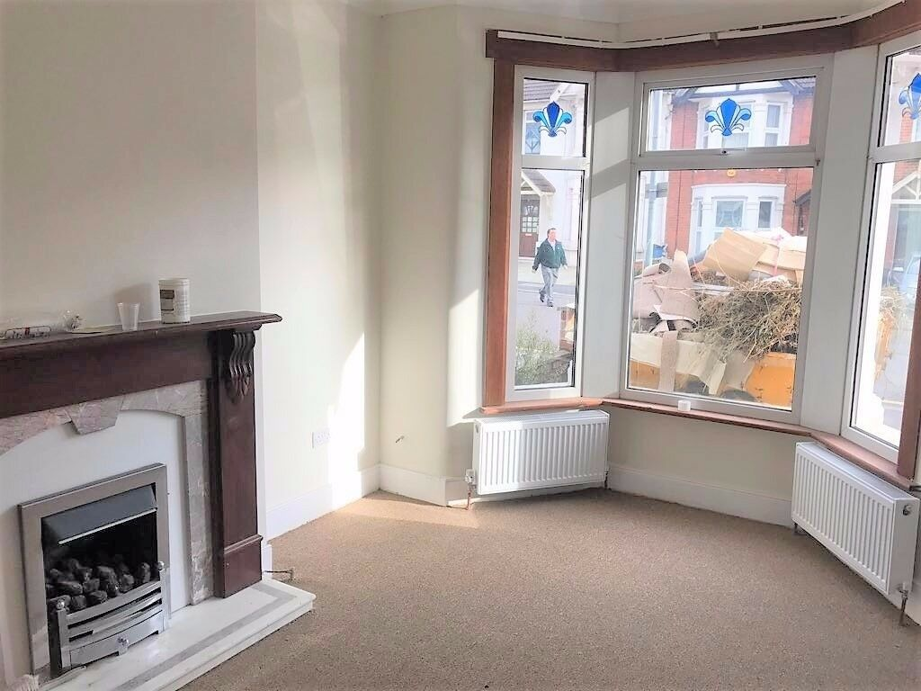 3 BED HOUSE TO RENT IN GOODMAYES FOR £1650PCM! LESS THAN 2MINS WALK TO GOODMAYES STATION!