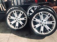 "5 x 22"" Range Rover alloy wheels"