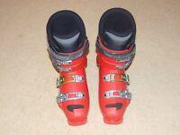 Ski Boots - Salomon UK 8, US 8.5, 42