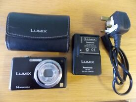 PANASONIC LUMIX DMC FS11 14MP WITH CHARGER AND LEATHER CASE