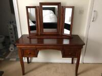 Willis & Gambier Antoinette Dressing Table with Gallery Mirror