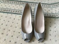 """L K BENNETT PATENT LEATHER OPEN TOE COURTS. 3"""" HEEL . SIZE 39 (6) for sale  Swinton, South Yorkshire"""