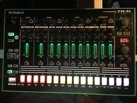 Roland TR-8 drum machine with 7x7 expansion BOXED