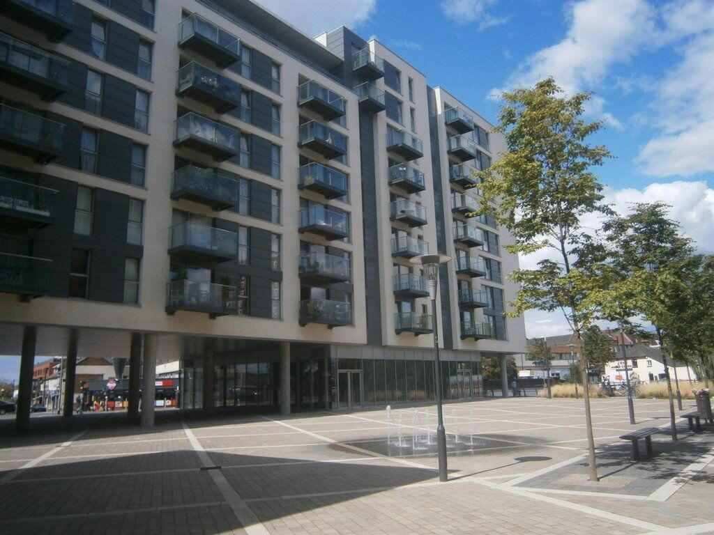 HAYES HIGHPOINT VILLAGE 1 BEDROOM LUXURY FLAT (4th floor with balcony) - ONLY £1150