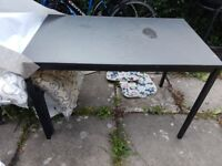4 Pers dining table incl 2 chairs