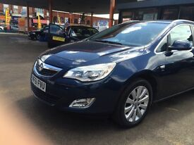 2011 VAUXHALL ASTRA TOURING ESTATE WITH HALF LEATHER AND 17 INCH ALLOYS