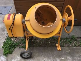 Clarke Cement Mixer . CCM50 . 30 litre. (Used once)
