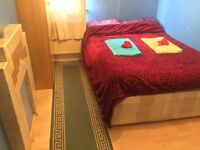 Double room to let for couple . Only £140 P.W. Including all bills