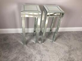 Mirrored tall pedestal tables