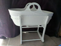 Moba Moses Basket and Stand