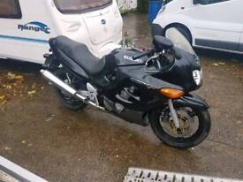BREAKING SUZUKI GSXF 750 1999 FOR SPARES