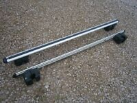Roof Rack Bars x 2 with locking key, good condition.